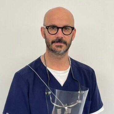 Dr Nicolas McAulay